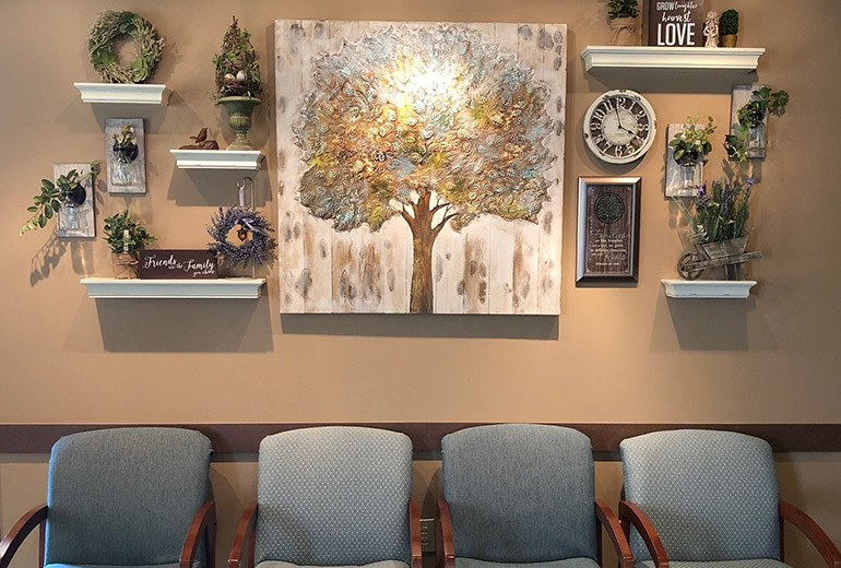 Paiting and decorations in waiting area